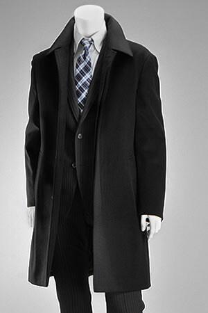 黒のステンカラーコート