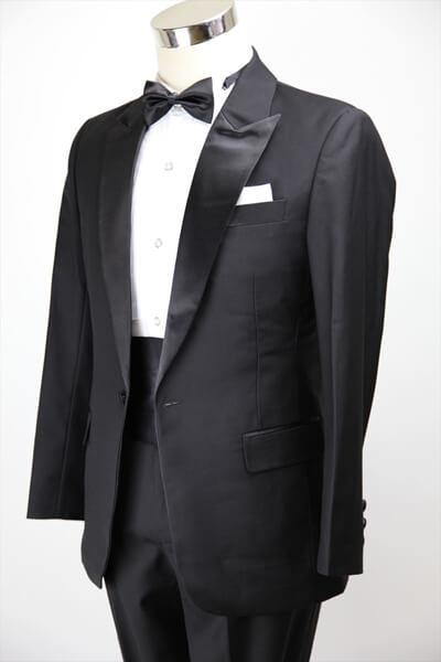 結婚式での父親の服装マナー!モーニングが基本?礼服ではダメ