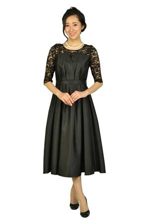画像:花柄デコルテ&袖の黒ドレス