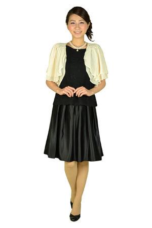 黒のドレス(ツーピース風)