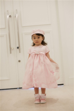 画像:女の子のフォーマル服