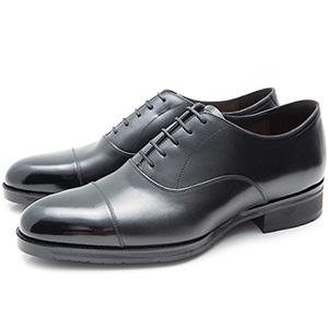 内羽根ストレートチップの黒革靴