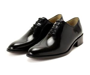 黒の内羽根プレーントゥの紐革靴