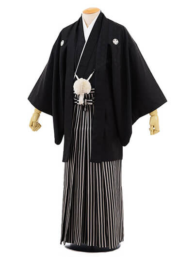 画像:黒紋付き羽織袴