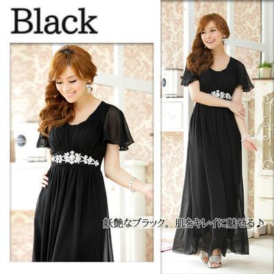 画像:黒のロングドレス