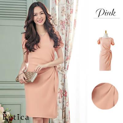 画像:サイドドレープのピンクドレス