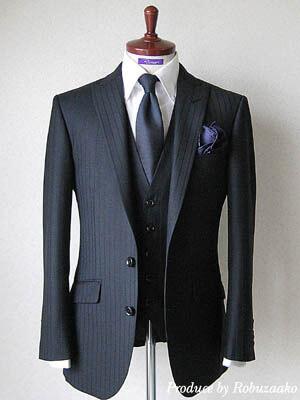 同色ストライプのスーツ