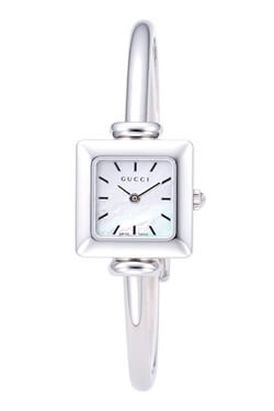 ブレスレット風の時計